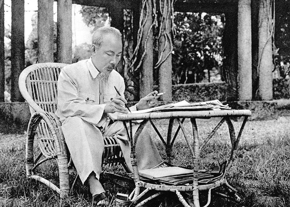 Chủ tịch Hồ Chí Minh - người con ưu tú của dân tộc Việt Nam